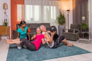 Selbst im Alter kannst du mit deinem Partner an euren Figuren, Gesundheit und Fitness arbeiten. Ich als euer Coach in Bern zeige euch ein effektives Workout.